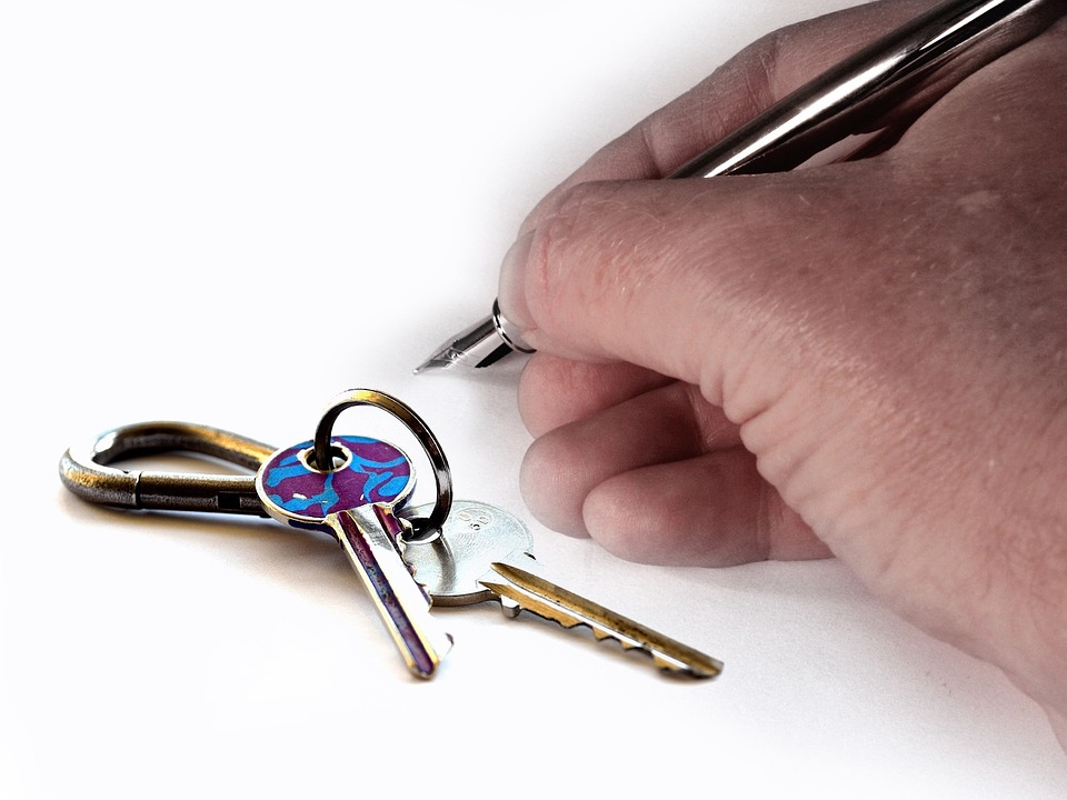 Becoming a real estate agent in Toronto is a rewarding job. Stick to it and you wont regret it.