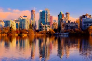 Here are a few pros and cons that will let you know whether you should be moving to Vancouver or not.